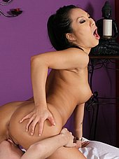 Asa Akira licked out during massage
