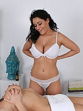 Big tit masseuse strips off her bra