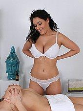 Big tit masseuse strips off her bra