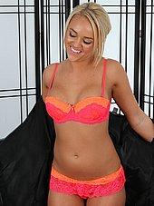 Hot blond masseuse Alexis Monroe strips down