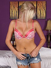 Eleina is getting ready for massage
